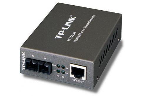 Медиаконвертер TP-LINK MC200CM Гигабитный Ethernet медиаконвертер Сетевые адаптеры/ Хабы/роутеры/маршрутизаторы/коммутаторы