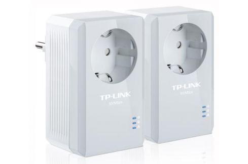 Адаптер TP-LINK TL-PA4010PKIT Базовый комплект адаптеров Powerline стандарта AV500 со встроенной розеткой Сетевые адаптеры/ Хабы/роутеры/маршрутизаторы/коммутаторы