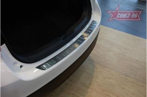 Накладка на наружный порог багажника штампованная полосы (хэтчбек 5D) Souz-96 MAZ3.36.3963 для Mazda 3 2013-2017 3 (2013 - 2017)